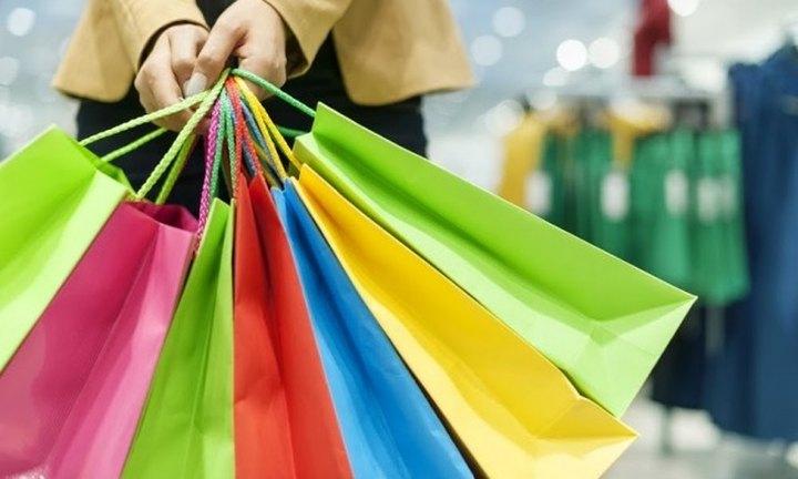 Σε ποιους δρόμους θα είναι Κυριακή ανοιχτά τα μαγαζιά