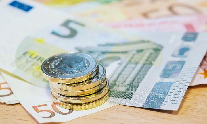Οι φόροι σε καύσιμα και τσιγάρα «σανίδα σωτηρίας» για τα έσοδα