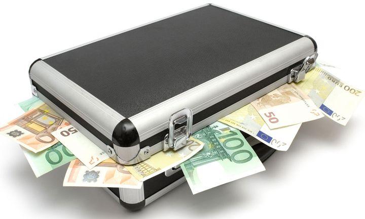 «Ψήνεται» παράταση για τα αδήλωτα εισοδήματα