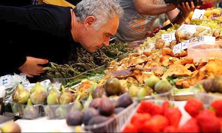 Οι Ελληνες της...  Anuga, μπισκότα με βελανίδι & σοκολατάκια με φέτα