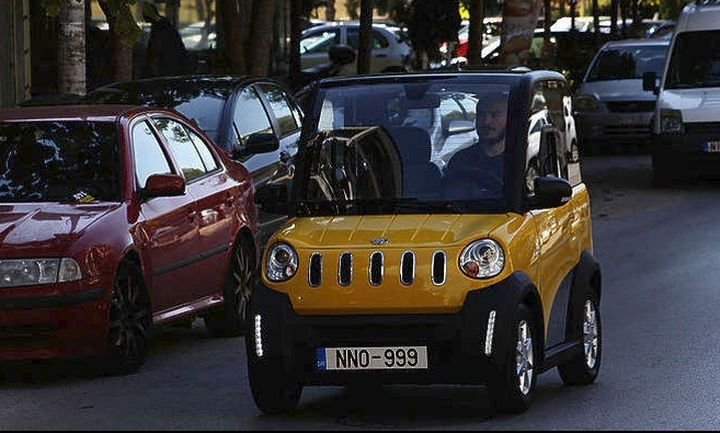 Ecocar: Φορτίζει στην πρίζα του σπιτιού και θέλει 1 ευρώ/100 χλμ