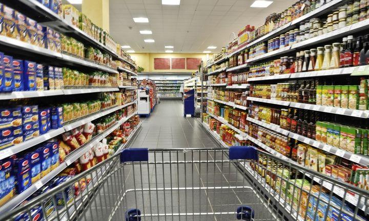 Νέες περικοπές στα τρόφιμα κατά 21,7% από τα νοικοκυριά