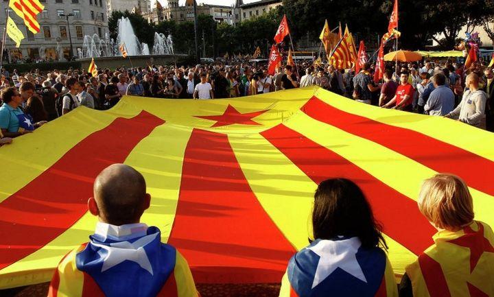Guardian: Βουτιά 15% στον τουρισμό στην Καταλονία μετά το δημοψήφισμα