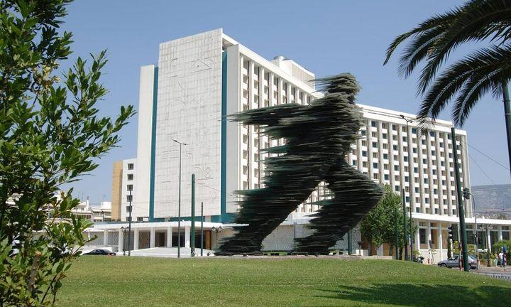 Ξεκινούν τα ραντεβού στο Hilton – Ποια είναι η «αχίλλειος πτέρνα» της διαπραγμάτευσης