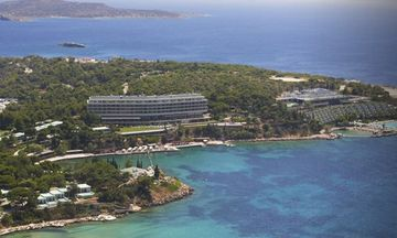 Προσλαμβάνει «κόσμο» το Four Seasons Astir Palace Hotel