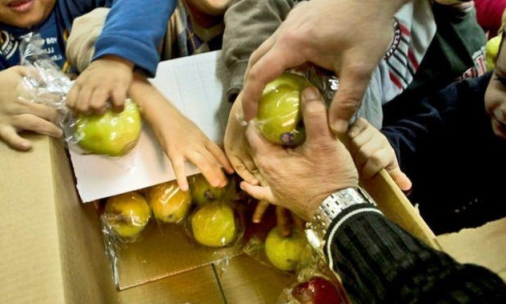 Ξεκινά το Νοέμβριο η καθημερινή διανομή 130.000 σχολικών γευμάτων