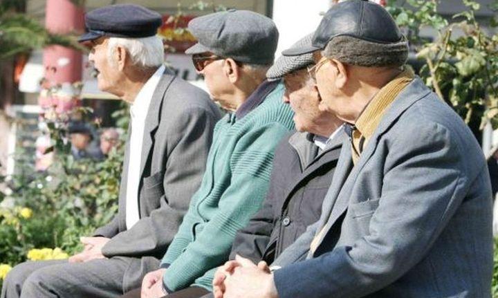 Συνταξιούχοι για κοινωνικό μέρισμα: Mας τρώνε το ψωμί και μας δίνουν ψίχουλα