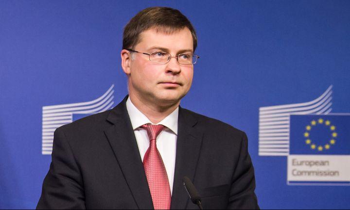 Tι λέει η ΕΕ για κοινωνικό μέρισμα και μνημόνιο
