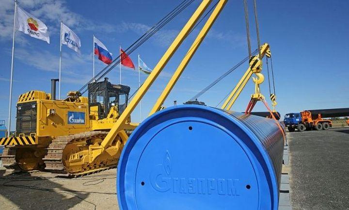 Αντιδρά η Gazprom στη μείωση παραγωγής πετρελαίου
