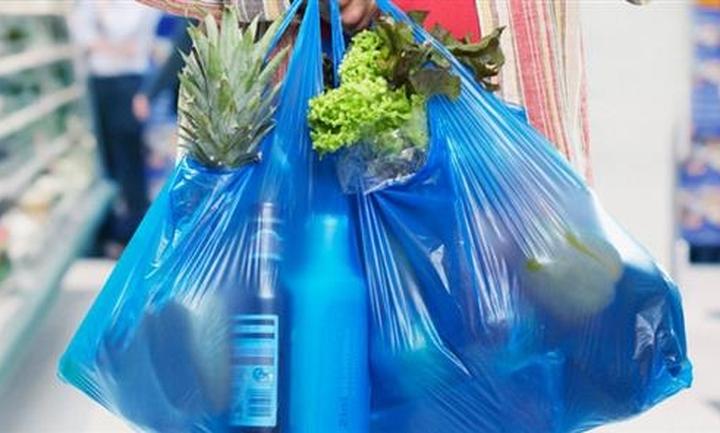 Aπό 1/1/2018 η εφαρμογή του ειδικού τέλους για την πλαστική σακούλα