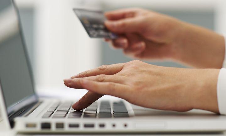 Τέλος στις φθηνές on line αγορές – Καταφθάνει ο ΦΠΑ