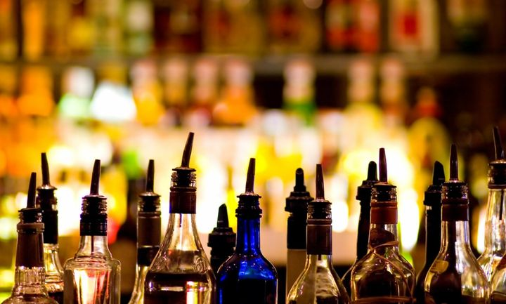 Είχε βάλει παράνομα στη χώρα 1.240 φιάλες λαθραία ποτά