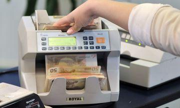 Οι τράπεζες βλέπουν επιστροφή καταθέσεων