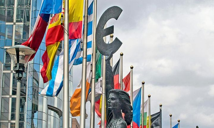 Mε την ισχυρότερη ανάπτυξη 7 ετών το 2017 στην Ευρωζώνη