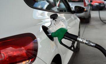 Το «μεγάλο παζάρι» της κυβέρνησης με τα Ελληνικά Πετρέλαια για τις τιμές των καυσίμων