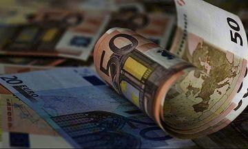 Bloomberg: Ασφαλή τα ελληνικά ομόλογα όσο και των ΗΠΑ
