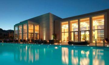 «Παγώνει» ο πλειστηριασμός των τριών ξενοδοχείων της Lakitira