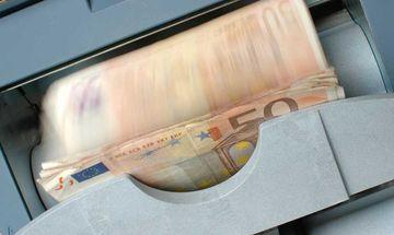 Capital controls: Στα «σκαριά» αύξηση μηνιαίου ορίου στα 2.300 ευρώ