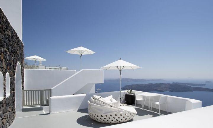 Απολαύστε τα ηλιοβασιλέματα από το Grace Hotel Santorini