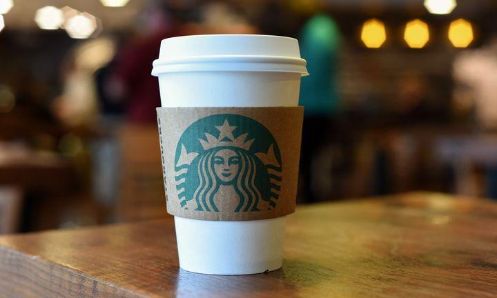 Στην εκπαίδευση των εργαζομένων επενδύουν τα Starbucks
