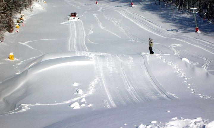 Στο «σφυρί» βγαίνει διάσημο χιονοδρομικό κέντρο