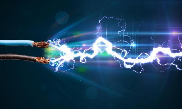 Πόλεμος μεριδίων στη λιανική της ηλεκτρικής ενέργειας