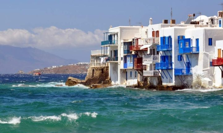 Στα νησιά οι εφοριακοί όχι για… διακοπές