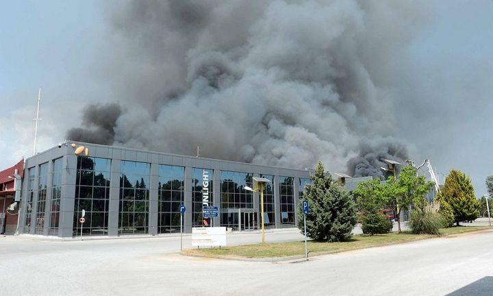 Η επόμενη ημέρα μετά την πυρκαγιά στο εργοστάσιο της Sunlight