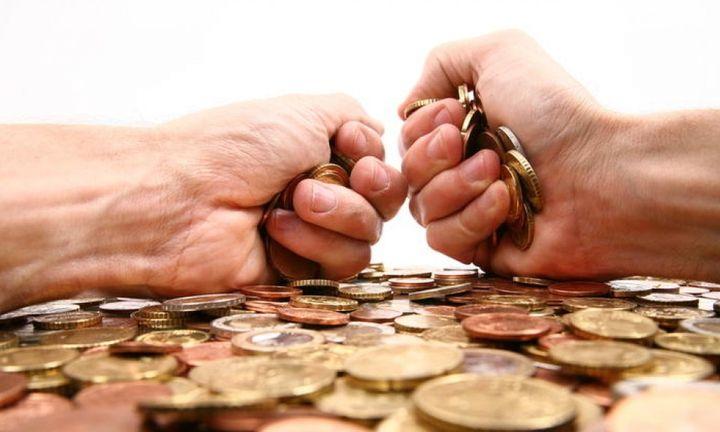 Οι φορολογούμενοι δεν πληρώνουν, η εφορία κατάσχει