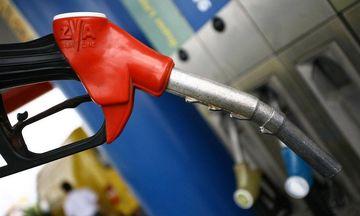 «Καίνε» οι τιμές των καυσίμων: Πού έφτασαν αμόλυβδη και πετρέλαιο (πίνακες)