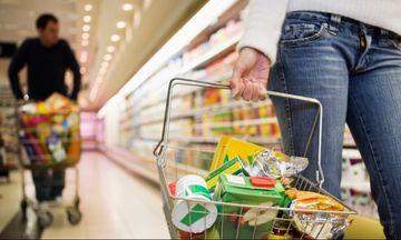 Με λίστα και μικρό καλάθι ψωνίζουν οι καταναλωτές