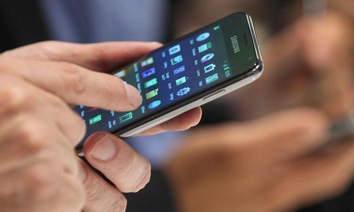 Έρχονται μειώσεις τιμών στην κινητή τηλεφωνία με «εντολή» ΕΕ
