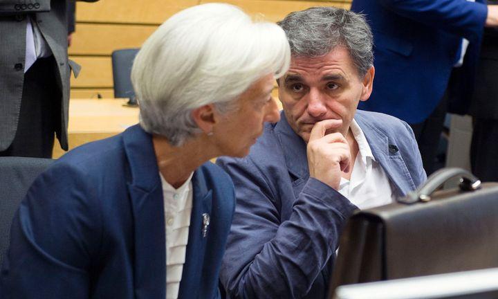 Εμμένει το ΔΝΤ στη μείωση των συντάξεων