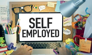 «Συνεταίρος» παραμένει το δημόσιο στους αυτοαπασχολούμενους
