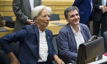 Διαβουλεύσεις στο εξωτικό Μπαλί για συντάξεις και δάνειο ΔΝΤ