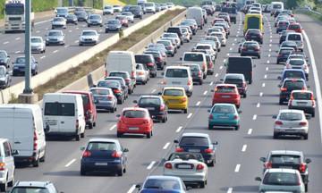 """Καλώς τα δεχτήκαμε: Στις """"μερίδες"""" στο Taxis τα τέλη κυκλοφορίας"""