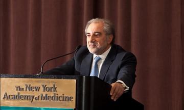 """Ο Στέλιος Παπαδόπουλος της JP Morgan, αναλαμβάνει το σχέδιο για το """"ξεφόρτωμα"""" των κόκκινων δανείων"""