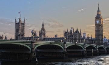 Η Βρετανία μπορεί να ακυρώσει μονομερώς το Brexit λέει το Ευρωδικαστήριο