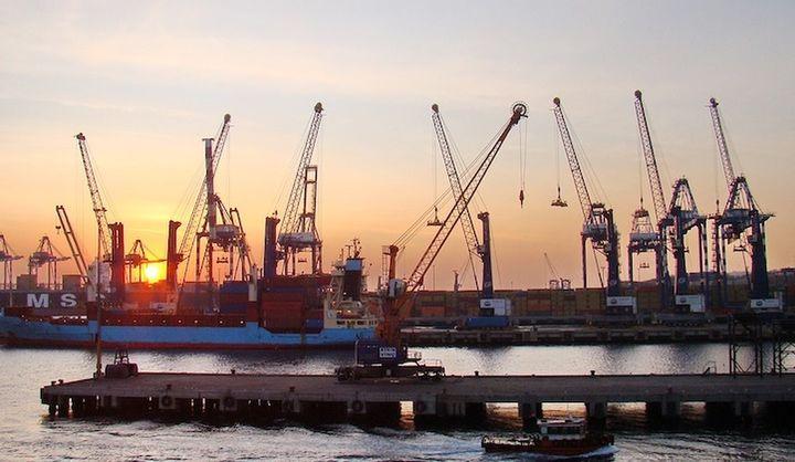Φορολογία και γραφειοκρατία εμποδίζουν την ανάπτυξη των εξαγωγών