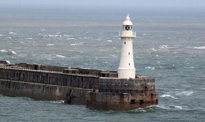 Εταιρεία χωρίς πλοία αναλαμβάνει ακτοπλοϊκά δρομολόγια