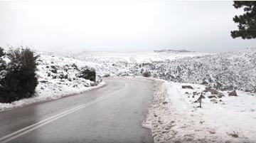 Euronews:  Το χιόνι μετατρέπει την Αθήνα σε χειμωνιάτικη χώρα των θαυμάτων