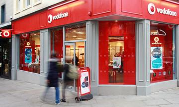 Αυξάνονται οι πελάτες σταθερής της Vodafone