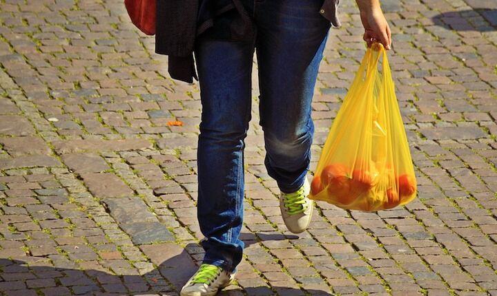 Κατά 80% μειώθηκε η χρήση της πλαστικής σακούλας το 2018