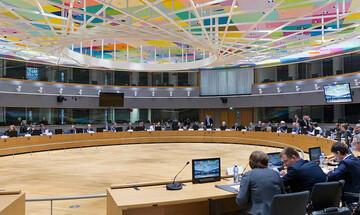 Eurogroup με ορεκτικό τον ευρω-προϋπολογισμό και κύριο πιάτο τη λιτότητα