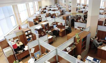 Σε κατώτερη δουλειά ένας στους τρεις εργαζομένους
