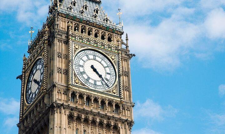 Με νομική συμφωνία στο παραπέντε επιστρέφει στο Λονδίνο η Μέι