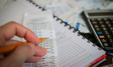 Σχεδόν έξι στους δέκα με έσοδα κάτω των 1.000 ευρώ τον μήνα