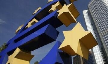 Η ΕΚΤ δείχνει μεγαλύτερη επιβράδυνση στην Ευρωζώνη