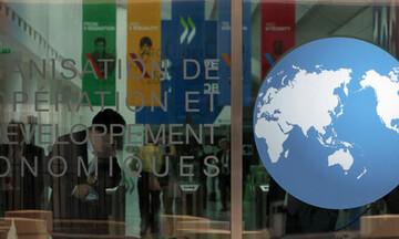 Μηνύματα και από τον ΟΟΣΑ για τις παροχές