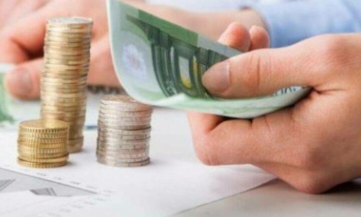Πόσο φόρο θα πληρώσουμε αν ακυρωθεί η μείωση του αφορολογήτου;